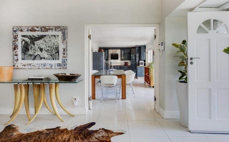 Property For Sale in Camps Bay, Cape Town 18