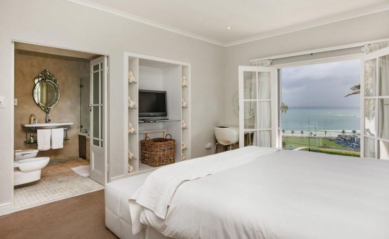 Property For Sale in Camps Bay, Cape Town 40