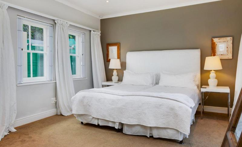 Property For Sale in Camps Bay, Cape Town 46