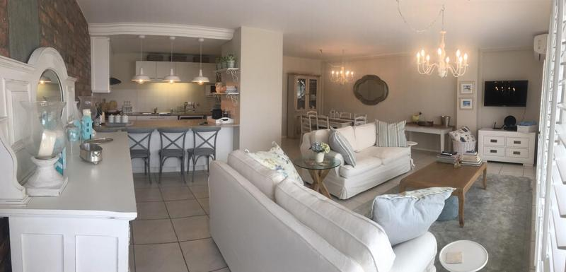 Property For Sale in Bloubergstrand, Cape Town 8