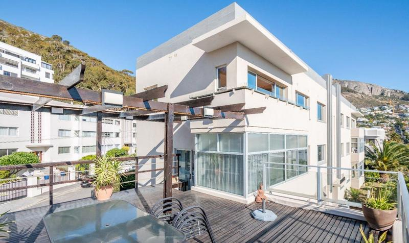 Property For Sale in Sea Point Upper, Cape Town 1