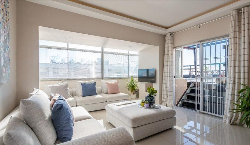 Property For Sale in Sea Point Upper, Cape Town 3