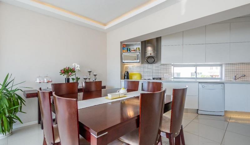 Property For Sale in Sea Point Upper, Cape Town 4