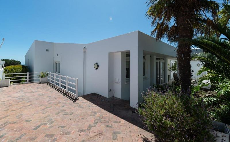 Property For Sale in Camps Bay, Cape Town 12