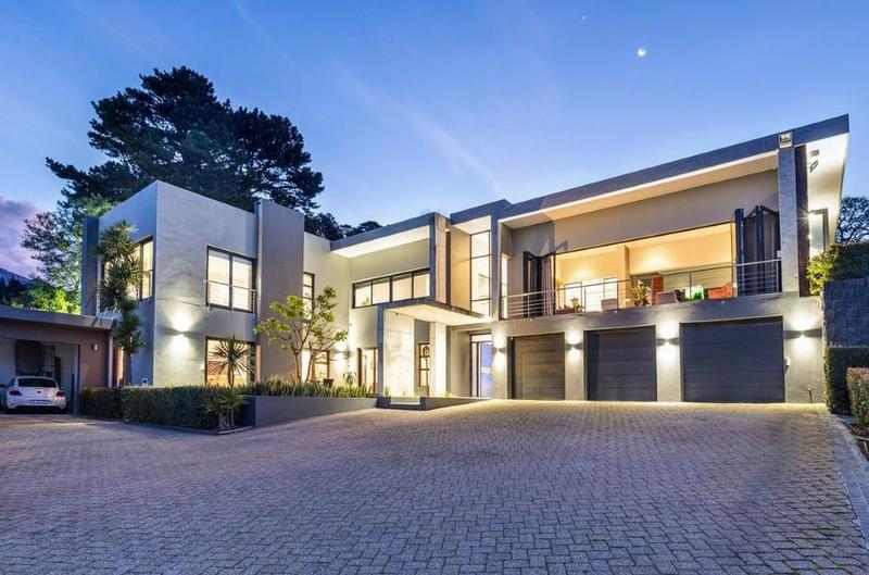 Property For Sale in Constantia Upper, Cape Town 1