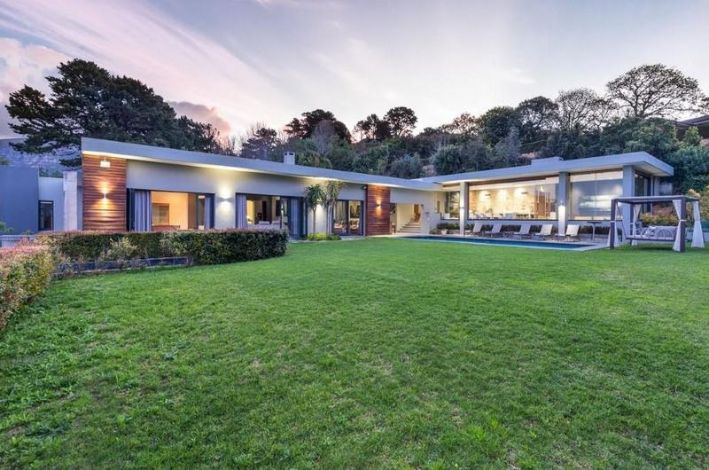 Property For Sale in Constantia Upper, Cape Town 2
