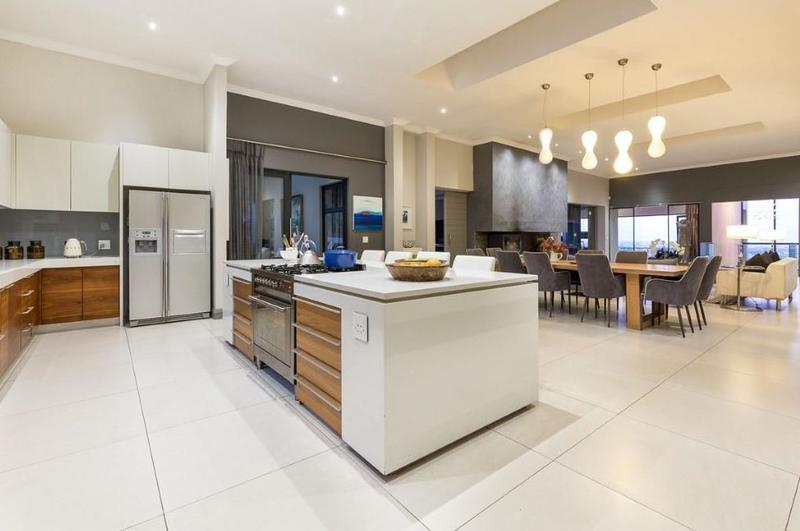 Property For Sale in Constantia Upper, Cape Town 9