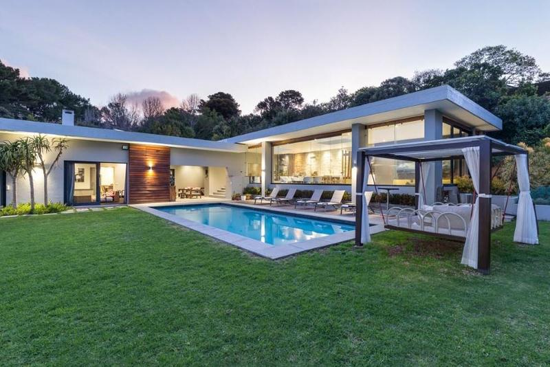 Property For Sale in Constantia Upper, Cape Town 18