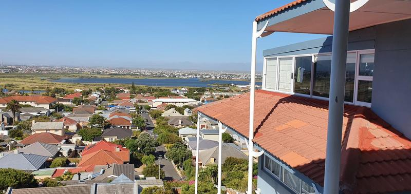 Property For Sale in Lakeside, Cape Town 3